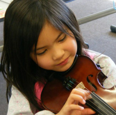 Violin classes-music lessons-piano-keyboard-drums-singing-guitar-bass-ukulele-drums-flute-recorder-saxophone-clarinet-mandolin-preschooler-kids-toddlers-fun-individual-group
